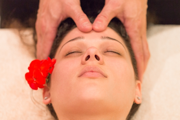Pevonia Hydrating Facial