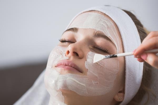 Whitening skin Pevonia